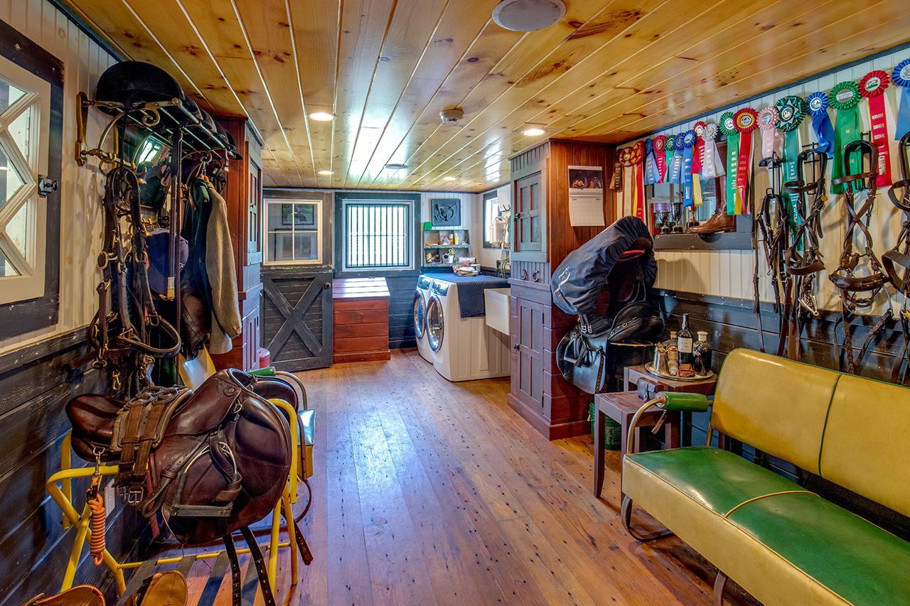 Equestrian Property MA2337_19N