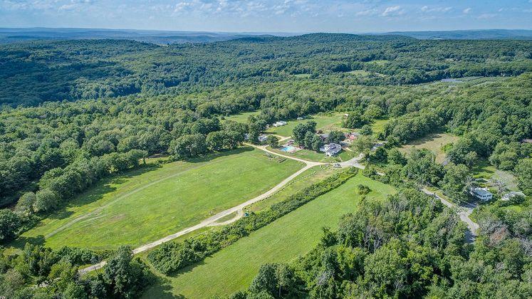 Noanet Woodlands MA2410