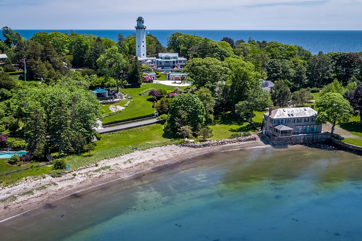 12 SMITHS POINT ROADManchester-by-the-SEA, MA | $11,400,000