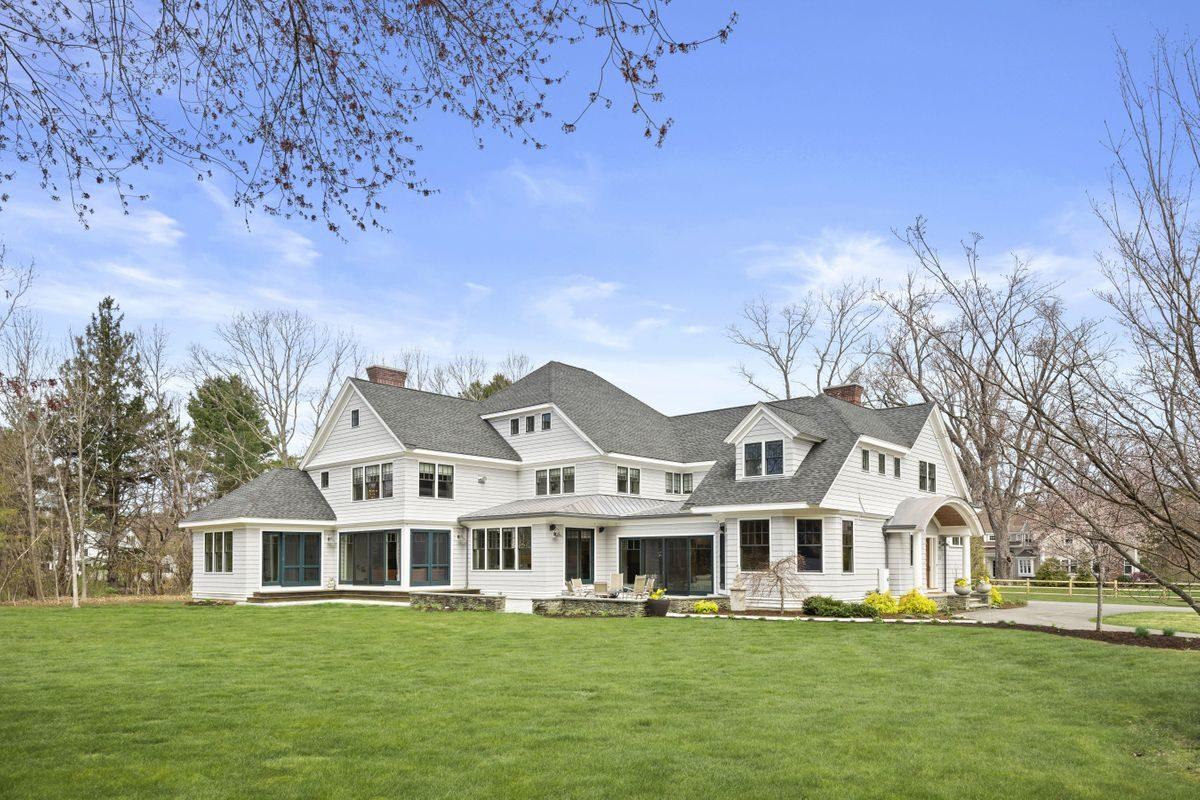 60 OAK RD Concord | $3,285,000