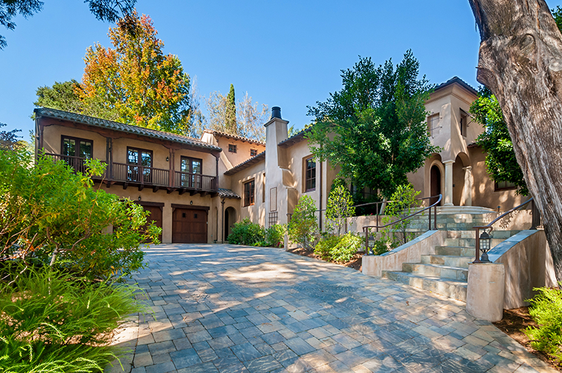 Luxury Market Trends | Q4 2015 - McGuire Real Estate