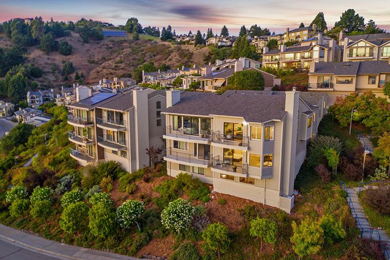 56 Schooner Hill, Oakland   Valerie Ruma - McGuire Real Estate