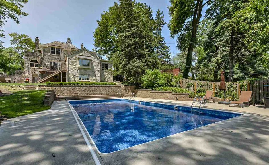 8 Spectacular Homes in the Omaha Area That Make a Splash ...