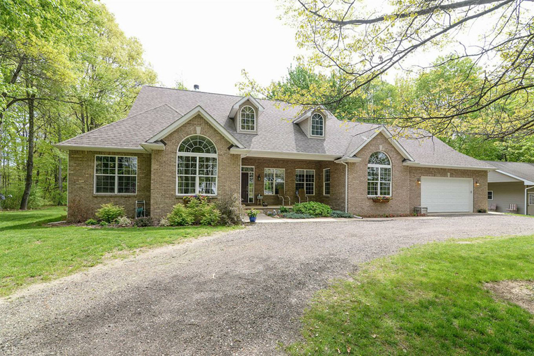 3355 Dexter Trail -Stockbridge, MI