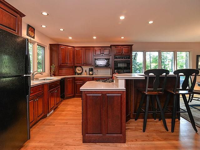 579 Glenmoore - Kitchen