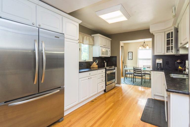 1515 Arborview - Kitchen