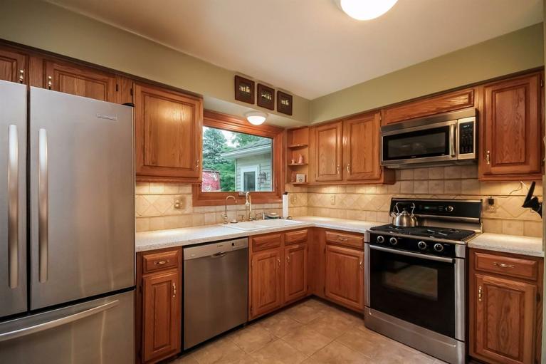 3518 Eastbrook - Kitchen
