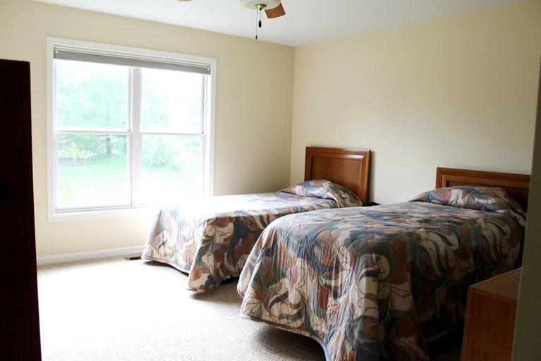 582 Castlebury- Bedroom