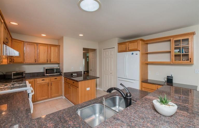 53832 River Woods Court - Kitchen