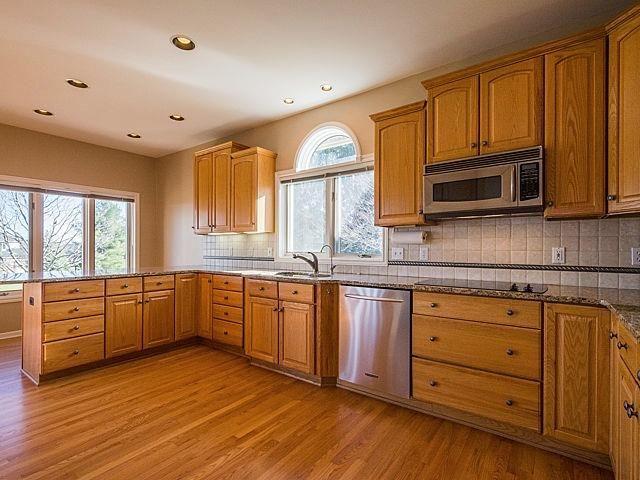 343 Crestway - Kitchen