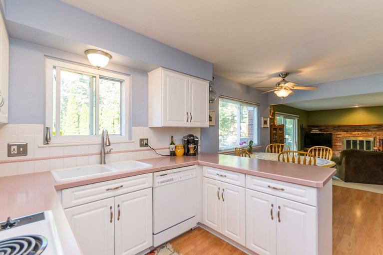 2871 Page Avenue - Kitchen