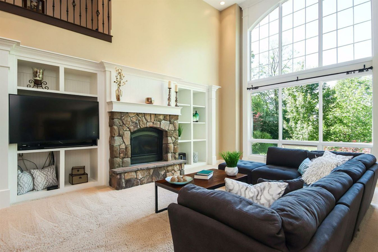 6007 Winans View Court - Fireplace