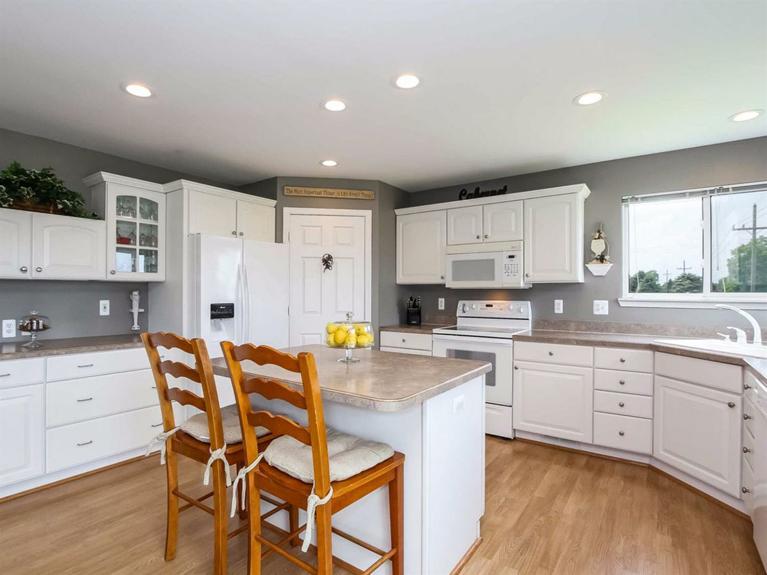 11900 Island Lake Road - Kitchen