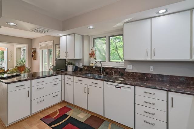 740 Rose Drive - Kitchen