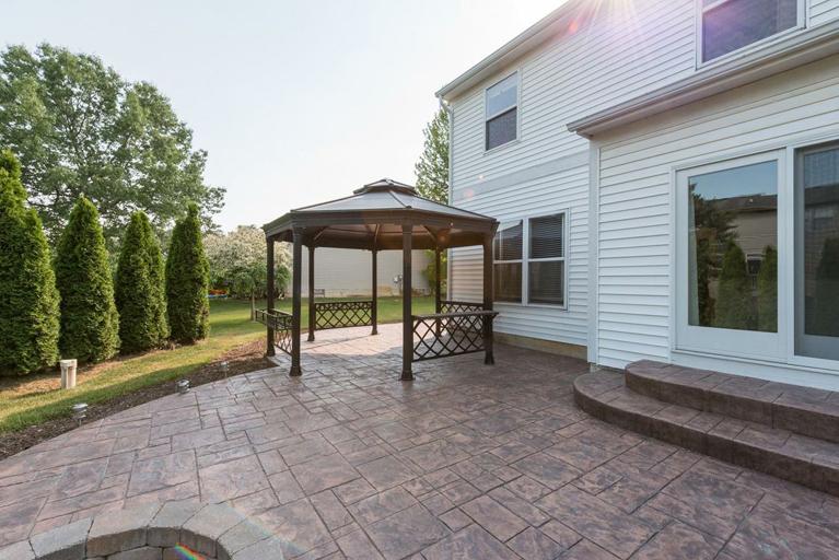 9121 Lakewood Drive - Backyard