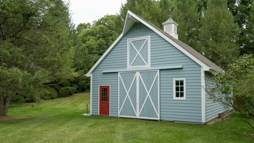 7250 Park Lake Drive - Barn