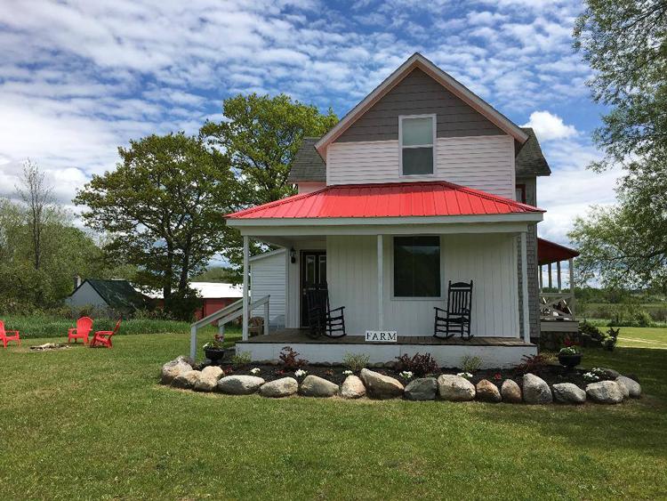 The Enos Homestead Inn Lake Huron Michigan vacation hotels
