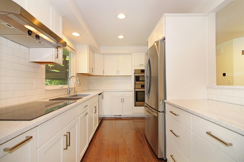 2105 Londonderry - Kitchen