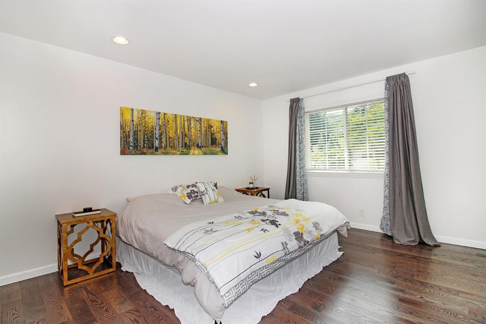 Master bedroom in 2105 Londonderry