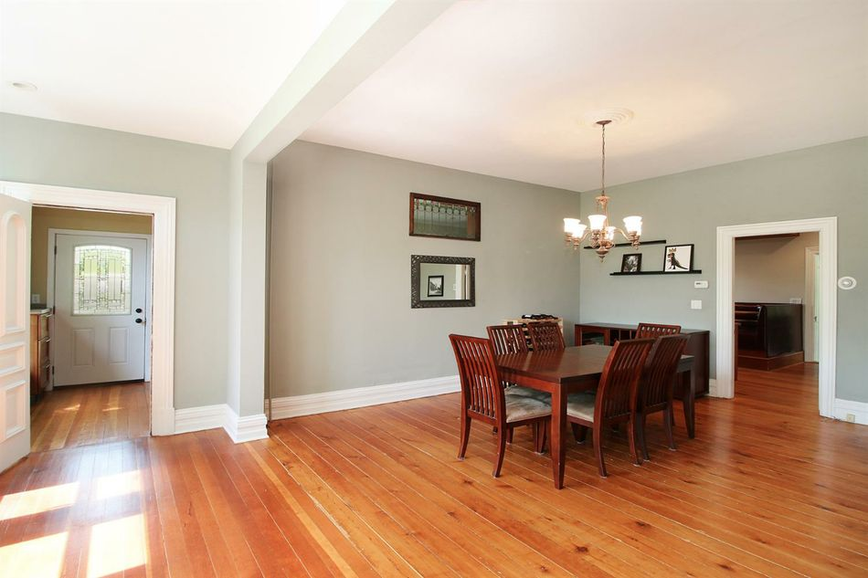 Formal Dining Room for 1460 Pear