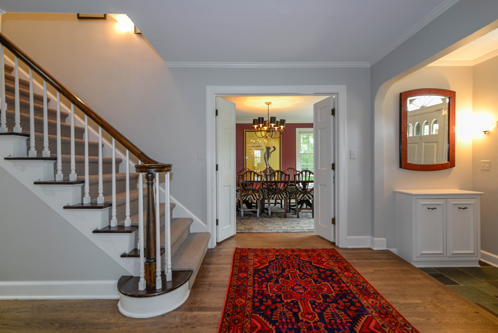2112 Melrose Ave - Foyer