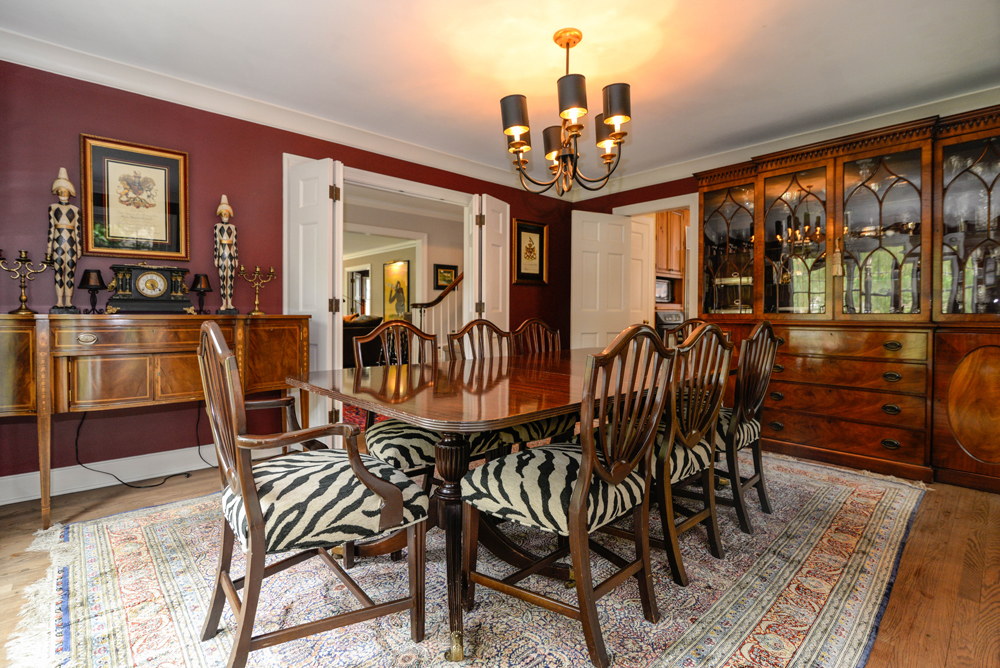 2112 Melrose Ave - Dining room