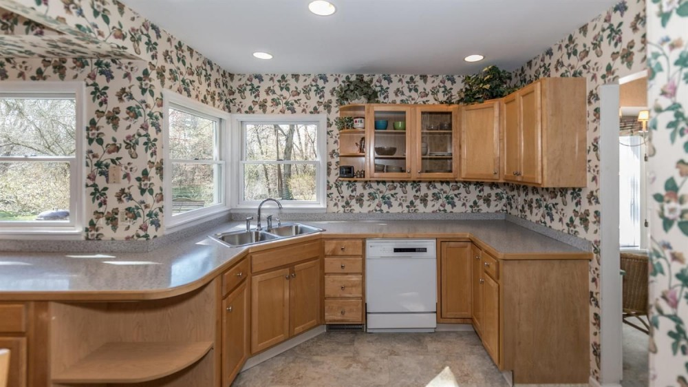 704 W. Pottawatamie Street - Kitchen