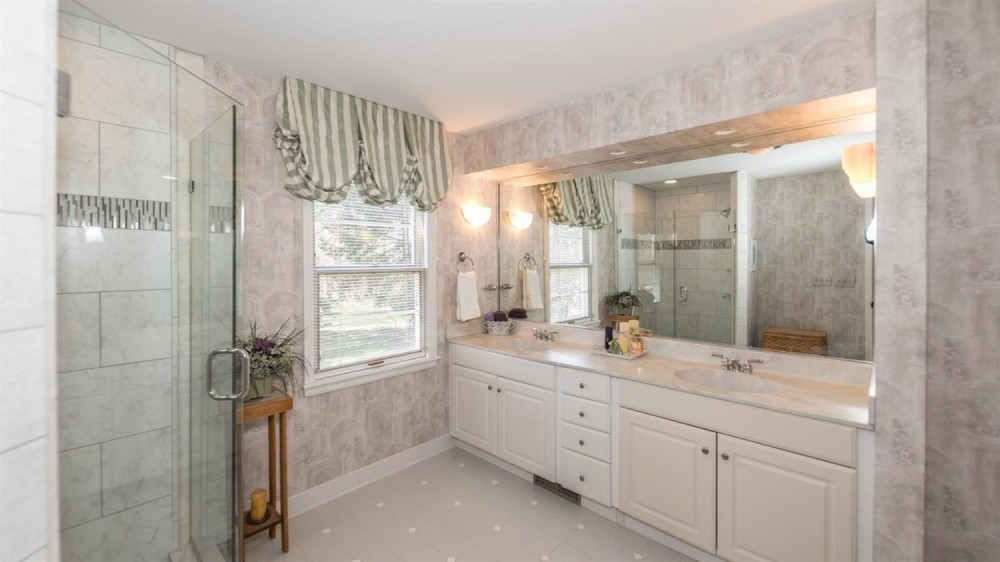 704 W. Pottawatamie Street - Master Bath