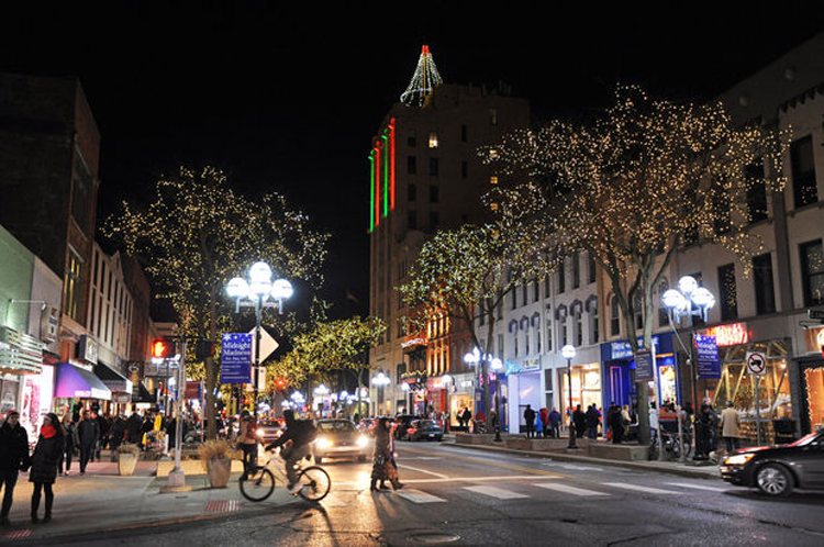 Midnight Madness Main Street Ann Arbor holiday Christmas events 2018