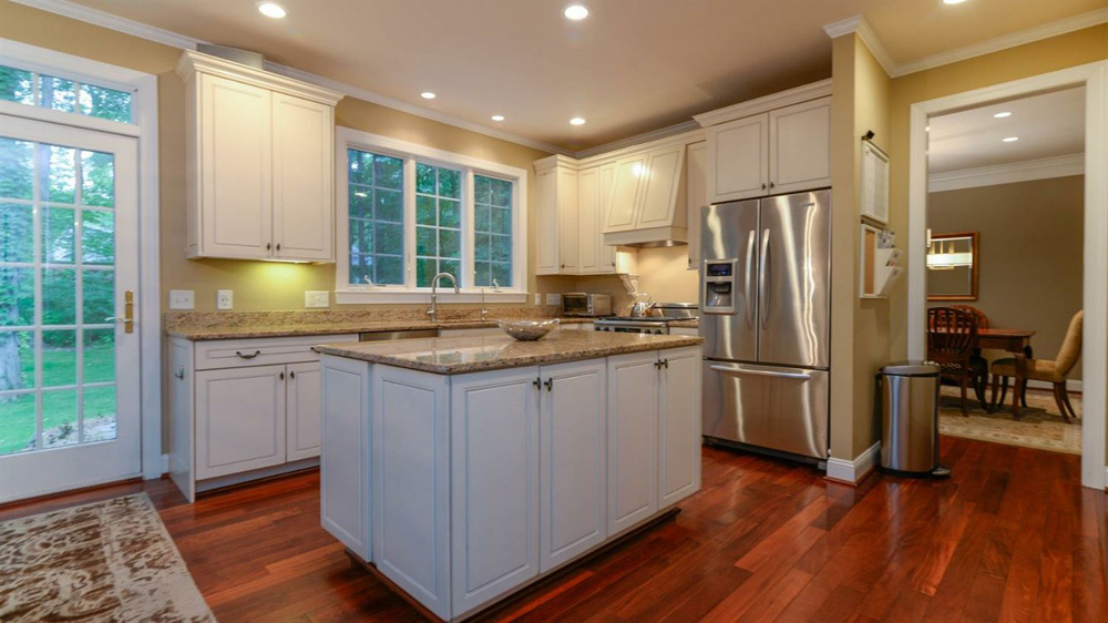 5345 Overbrook - Kitchen