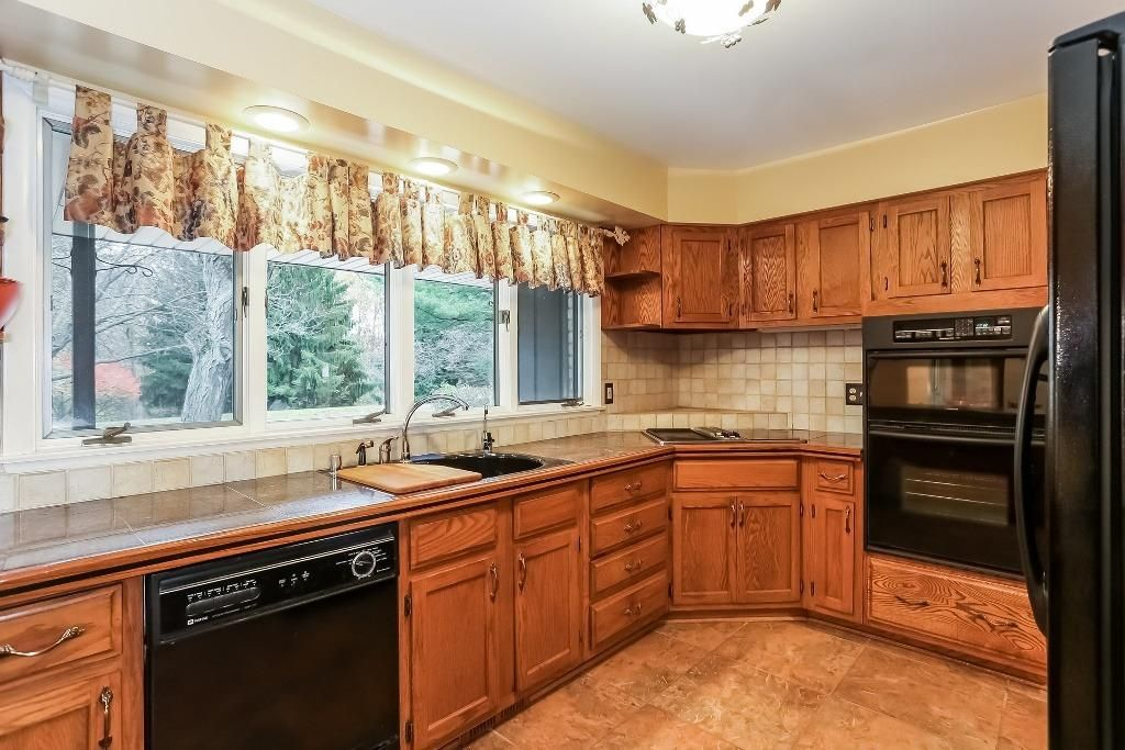 17230 Carlolina Trace - Kitchen