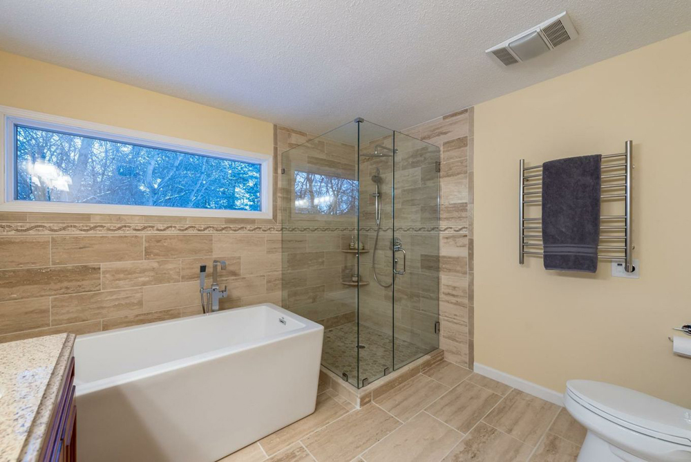 5713 Lohr Lake Drive - Master bath