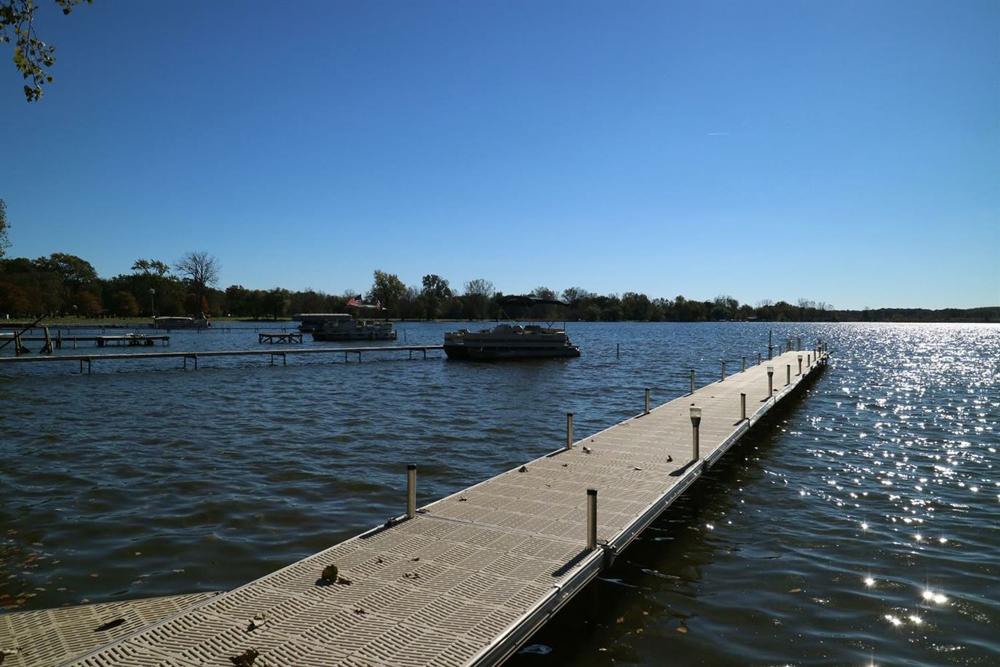 197 E. Vandercook Drive - Dock