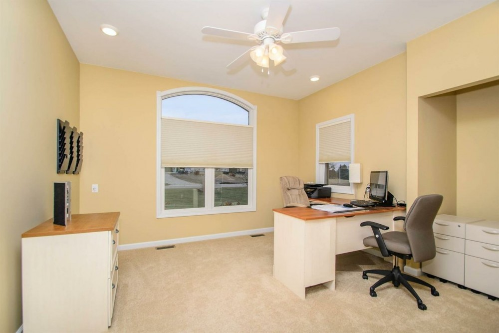 10216 Valley Farms - Office