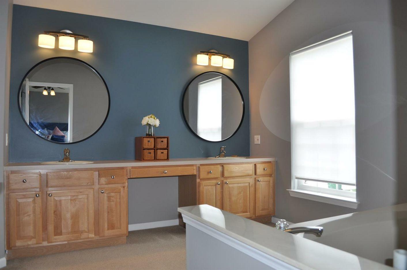 8232 Blue Jay Drive - Master Bath