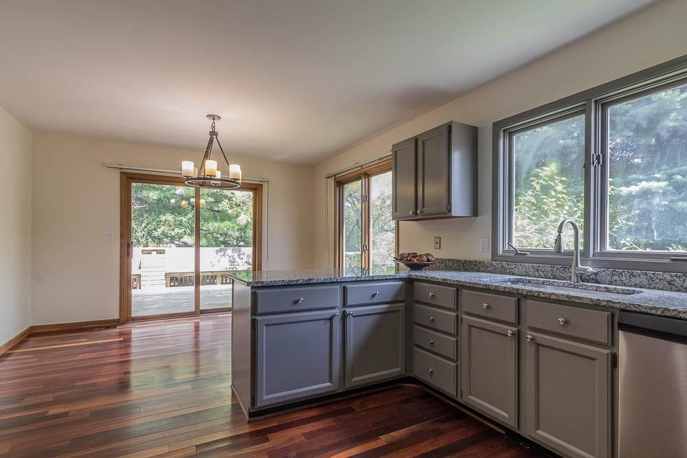 3031 Cedarbrook Drive -Eat in Kitchen