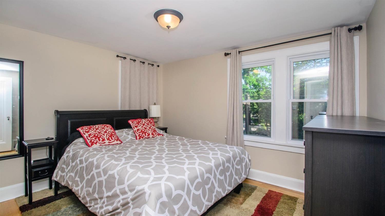 1919 Dexter Ave - Bedroom