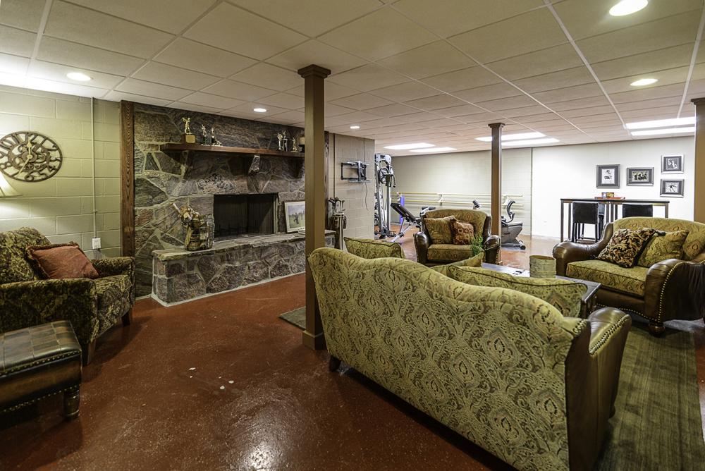 8510 Oak Ridge - Lower Level