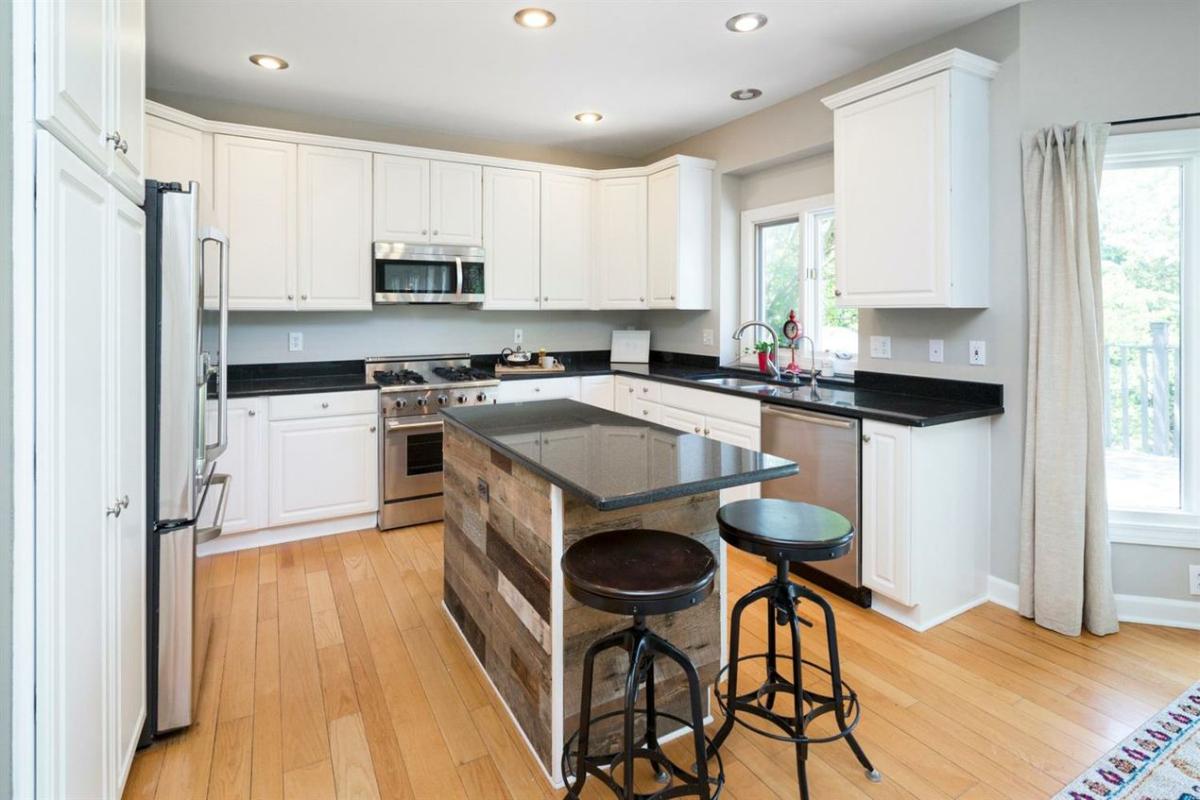 4875 Northgate Drive - Kitchen