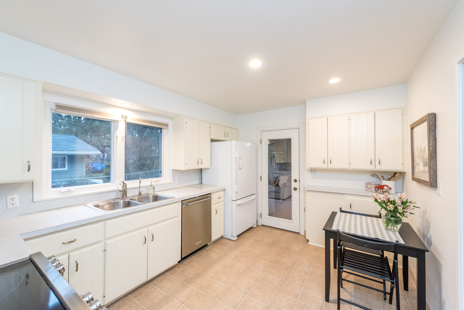 2310 Woodside - Kitchen