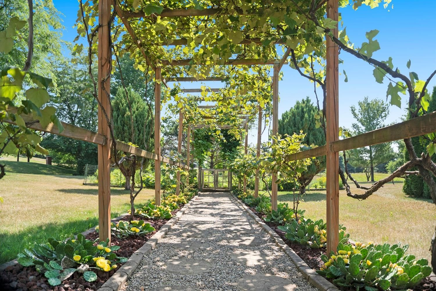9205 Sharon Hills Court - Pergola